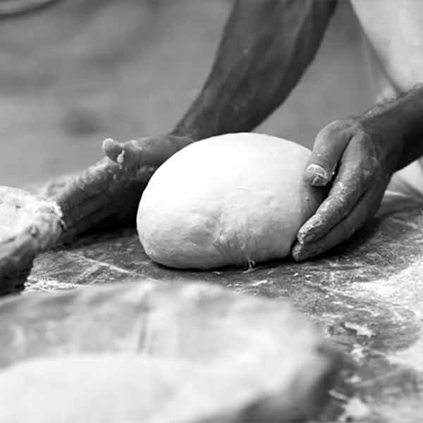 Croissant Omelette (V)