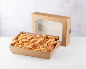 Plateau de mini savoury croissants front view