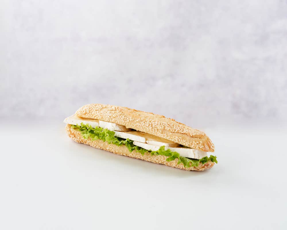 Sandwich Sesame Camembert (V) front view